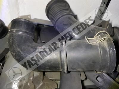 Mercedes W210 W208 Hava Filtre Borusu 2105280508