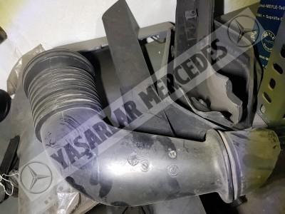 Mercedes W210 W208 Hava Filtre Borusu 2105280004